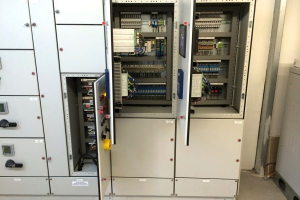 bw light switchboard